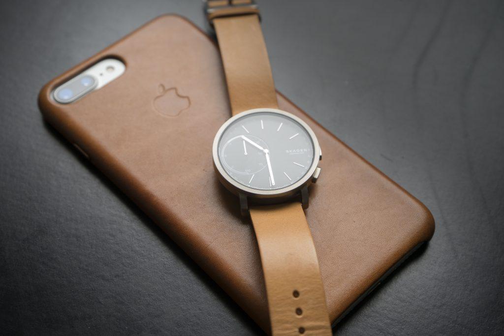 Hagen Hybrid Smartwatch und iPhone 7 Plus