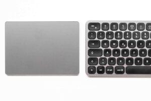 Vergleich Magic Trackpad und Satechi Tastatur